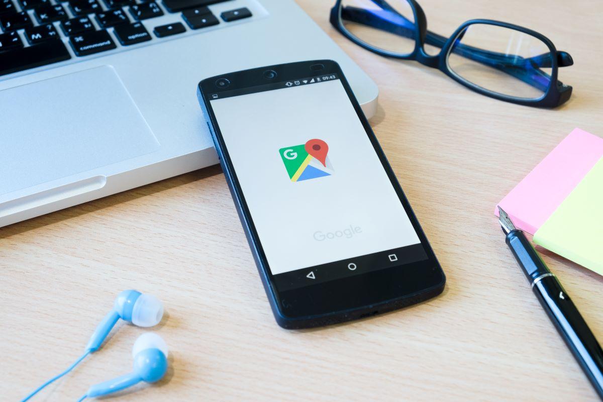 Google Maps anuncia rotas sustentáveis, previsão do tempo e assistente integrado