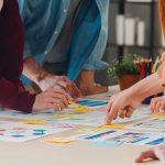 Quebrar grandes tarefas em menores e não dizer sim para tudo: veja como se organizar melhor no trabalho